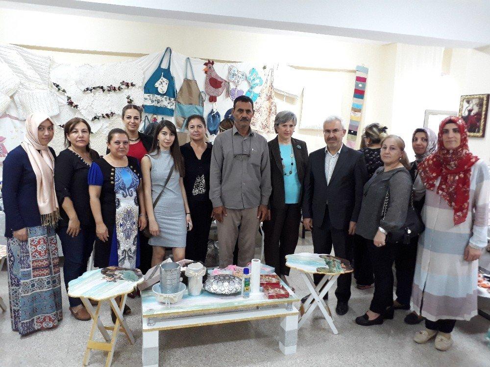 Çukurova Halk Eğitim yıl sonu sergisini açtı