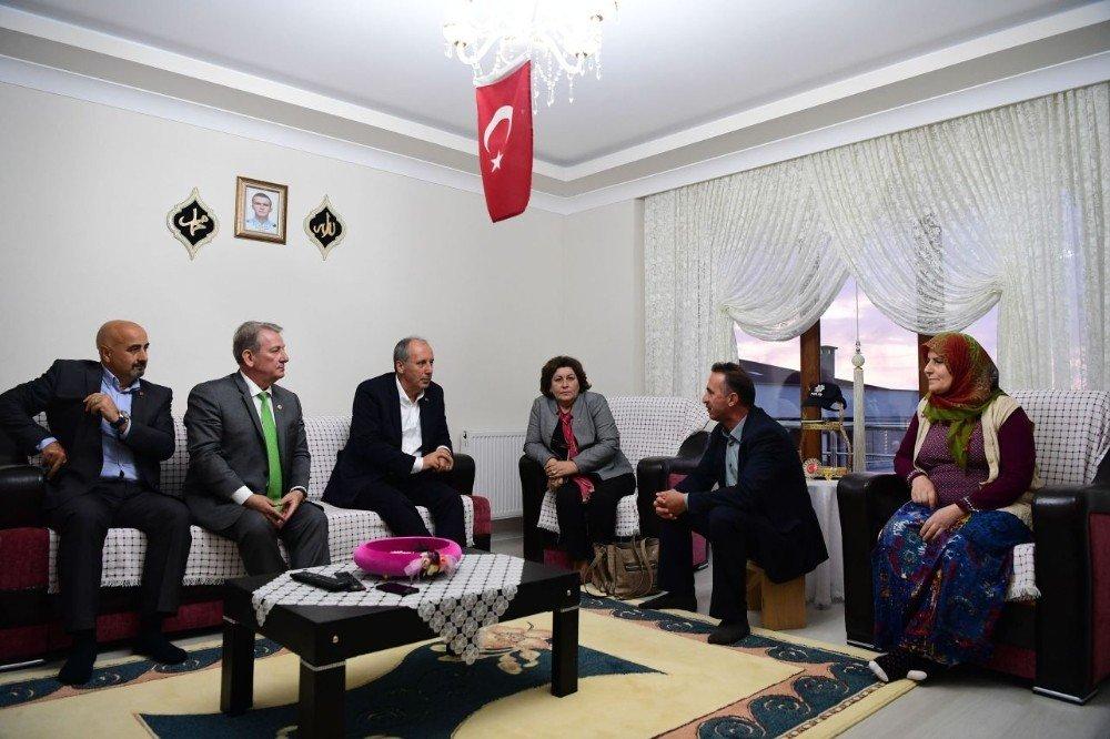 Cumhurbaşkanı adayı Muharrem İnce, şehit polis Yıldırım'ın baba evini ziyaret etti