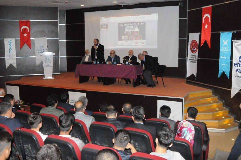 Cizre'de 'Namazla Diriliş İkinci On Yıl' programı düzenlendi