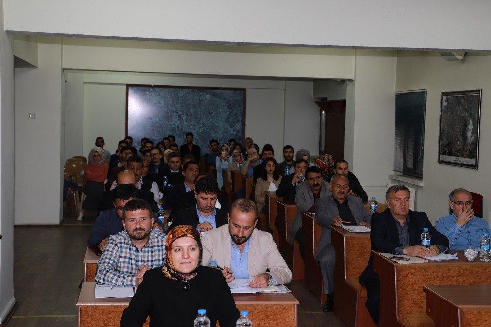 Erzincan Belediye Meclisi öğrencileri ağırladı