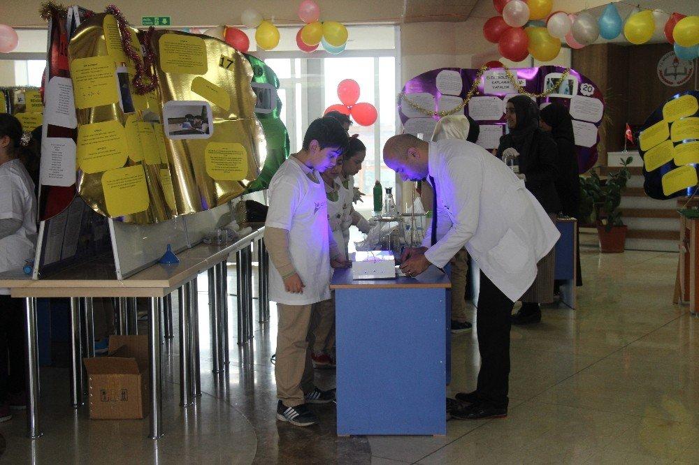 Elazığ'da öğrenciler projelerini sergiledi