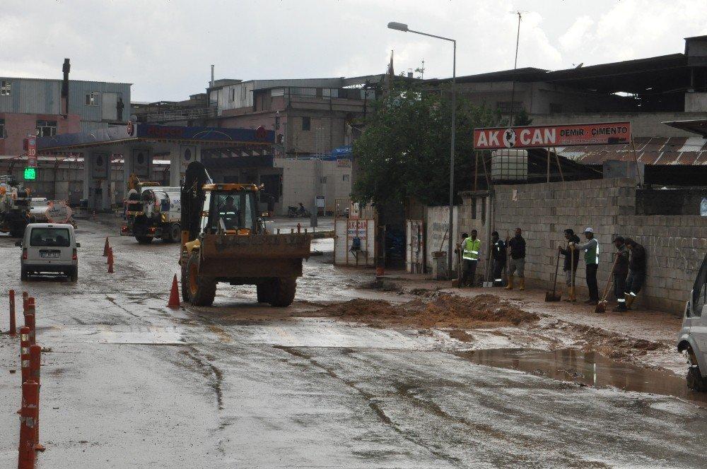 Gaziantep'te sağanak yağış sele neden oldu