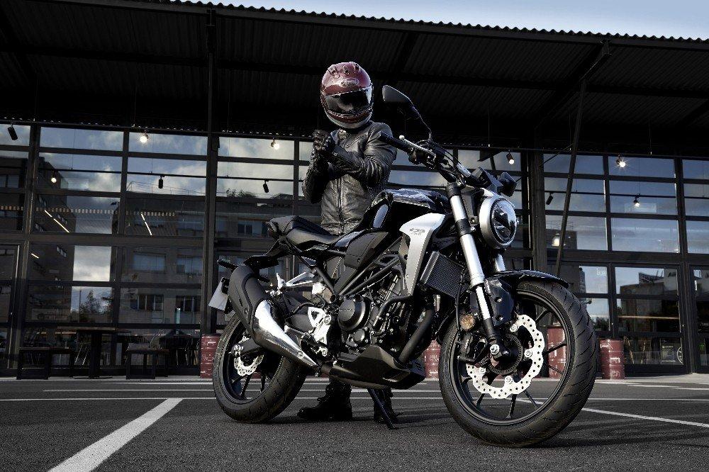 Honda'nın 'Spor Naked' modeli CB250R Türkiye'de