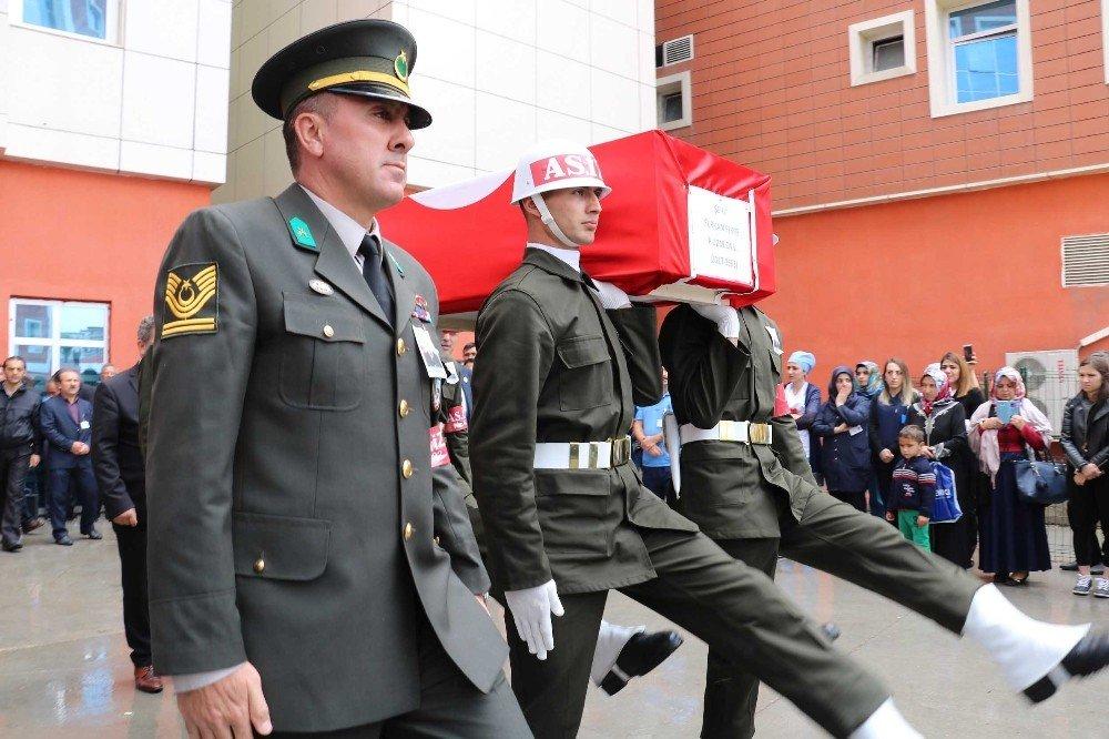 Şehit uzman onbaşı son yolculuğuna uğurlanıyor