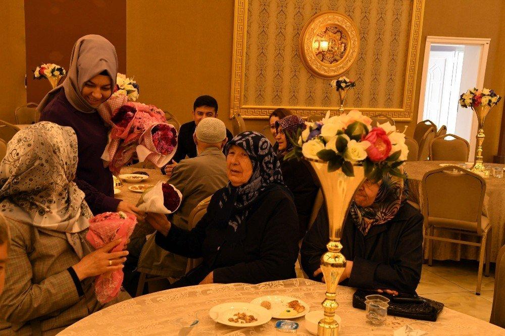 Isparta Belediyesi'nden anneler günü etkinliği