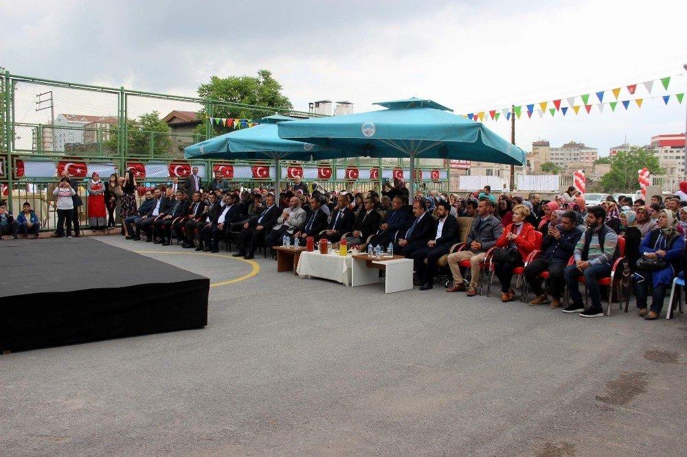 İstiklal Özel Eğitim Mesleki Eğitim Merkezi'nde kermes düzenlendi
