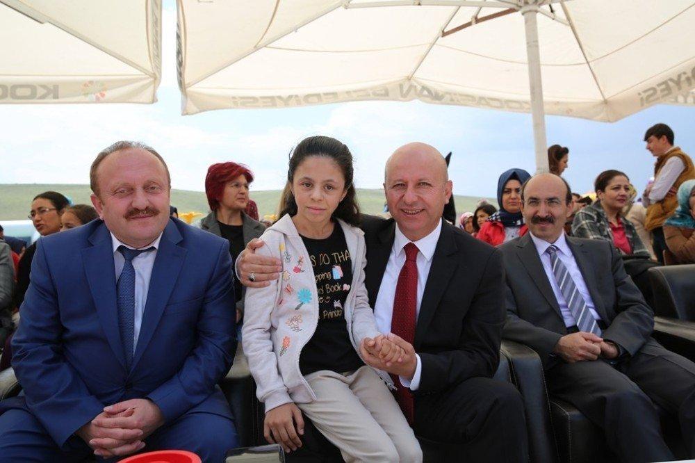 Başkan Çolakbayrakdar, özel çocuklarla bir araya geldi