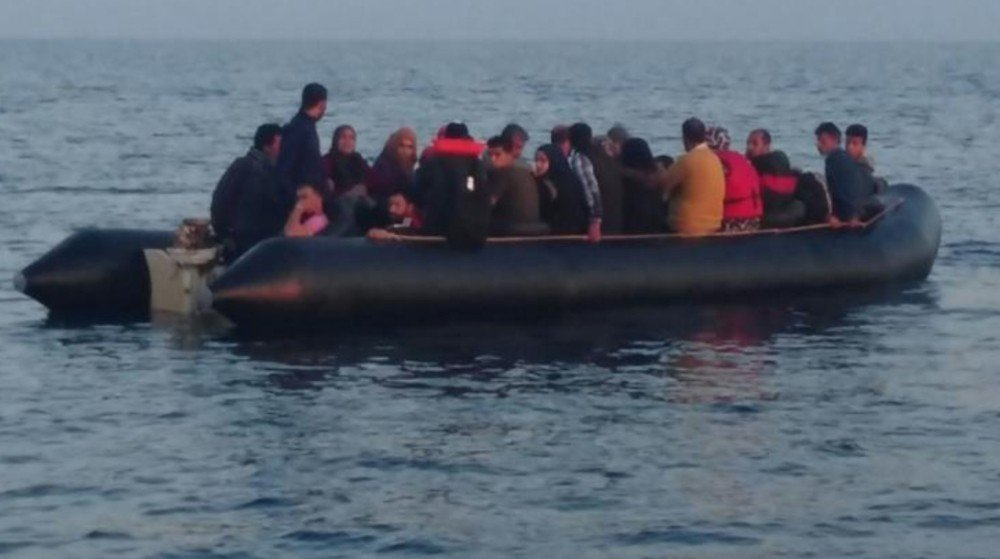 Kuşadası Körfezi ve Didim'de yakalanan göçmenlerin 51'i çocuk çıktı