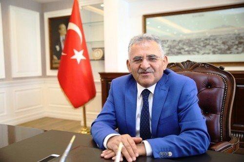 Başkan Büyükkılıç, Kayserili milli takım sporcularına başarı diledi