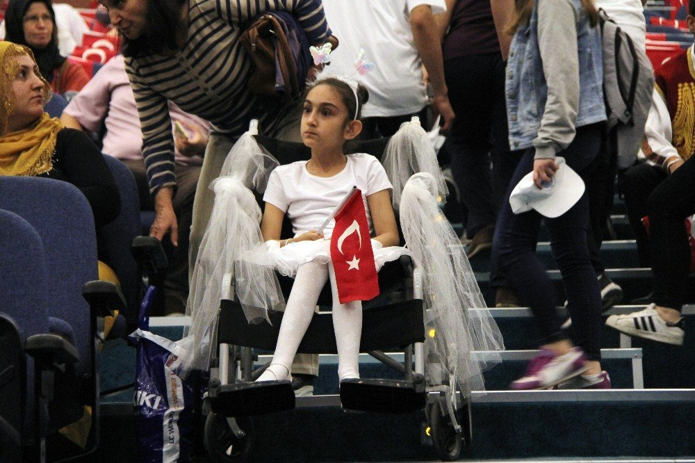 Mersin'de engelliler şöleni başladı