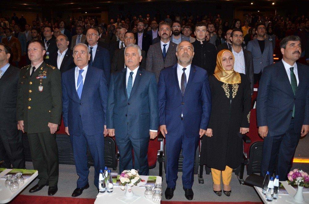 """Muş'ta """"Tarih ve Kültür Bağlamında Muş"""" sempozyumu"""