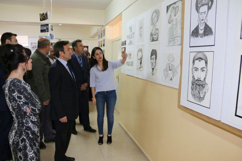 NEVÜ Meslek Yüksekokulu 16.geleneksel grafik tasarım sergisini açtı