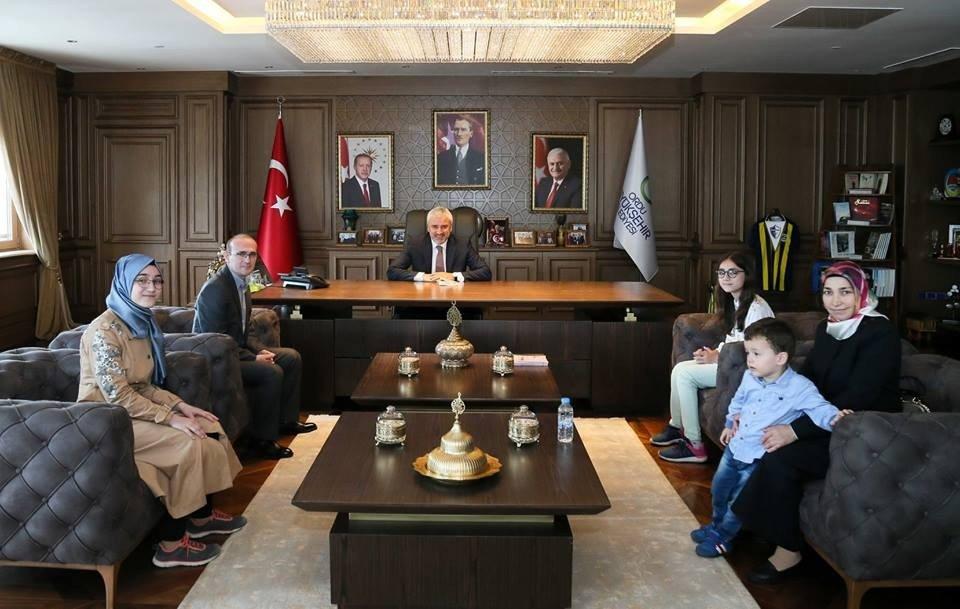 Başkan Yılmaz, küçük yazarı konuk etti
