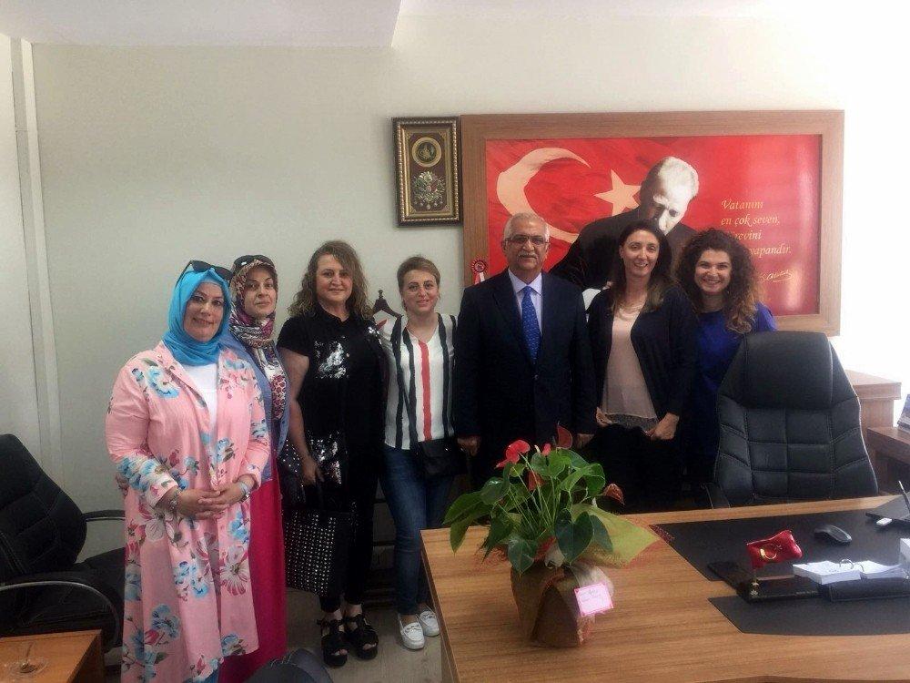 Sapanca Kadın Meclisi'nden, İlçe Milli Eğitim Müdürü Dede'ye ziyaret