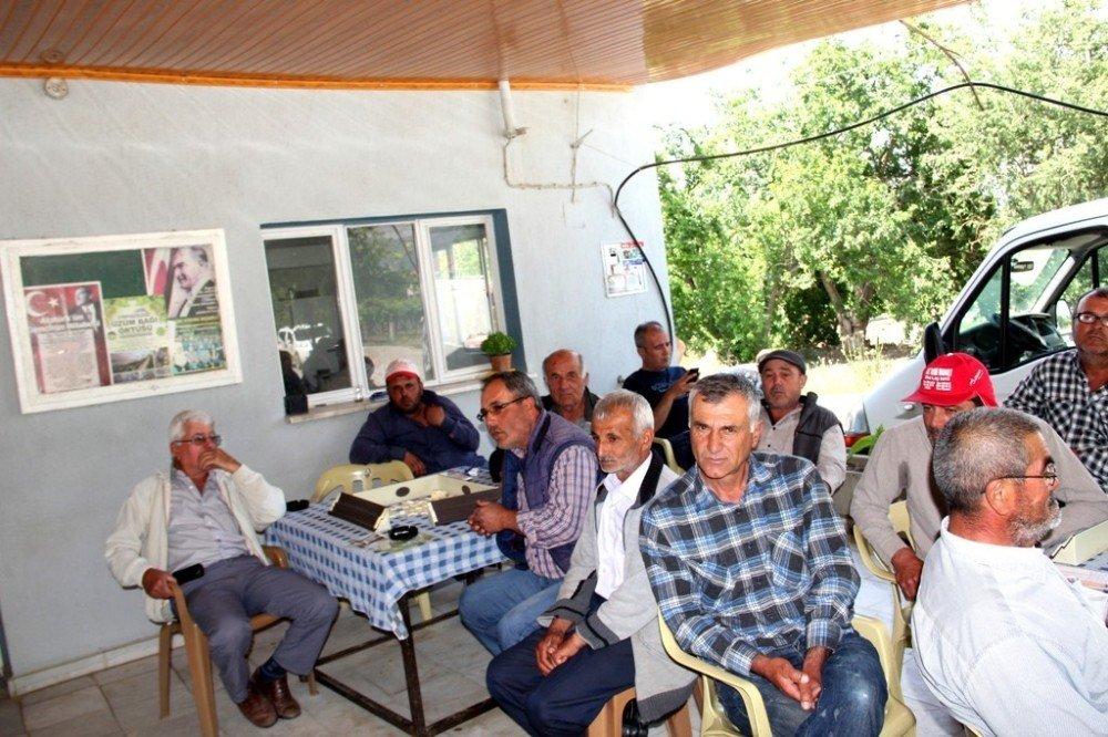 Sarıgöl'de çiftçilere trafik ve tarım ekipmanı kullanımı eğitimi