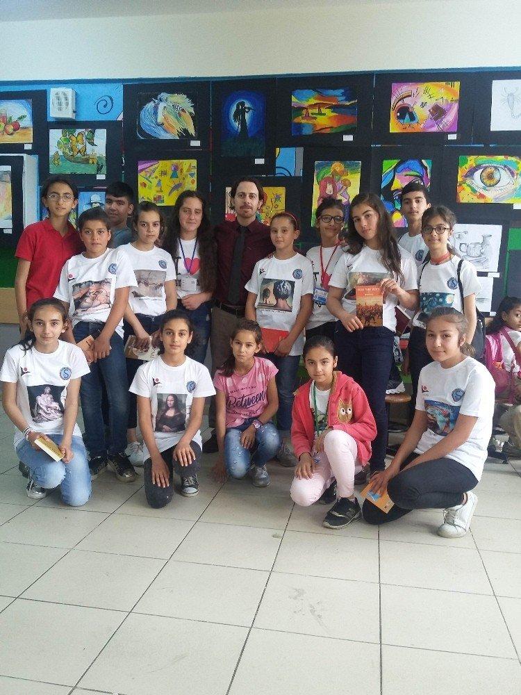 Suluca Ortaokulu'nda Görsel Sanatlar Sergisi