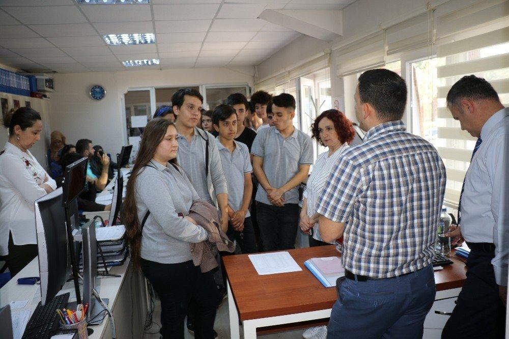 Geleceğin muhasebecileri Yunusemre Belediyesi'ni gezdi