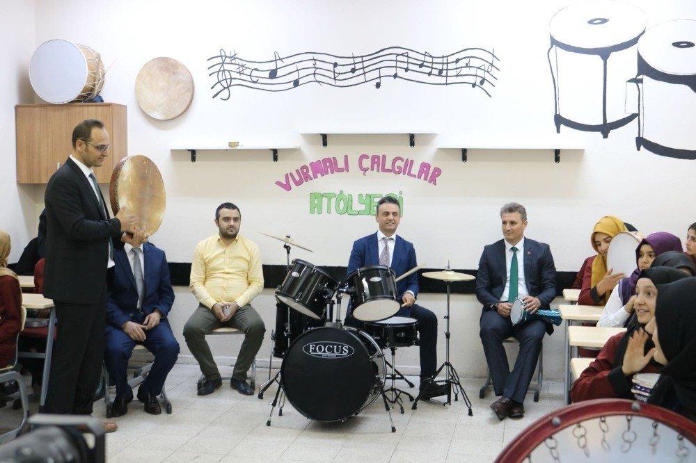 Okullarda müzik atölyeleri açıldı