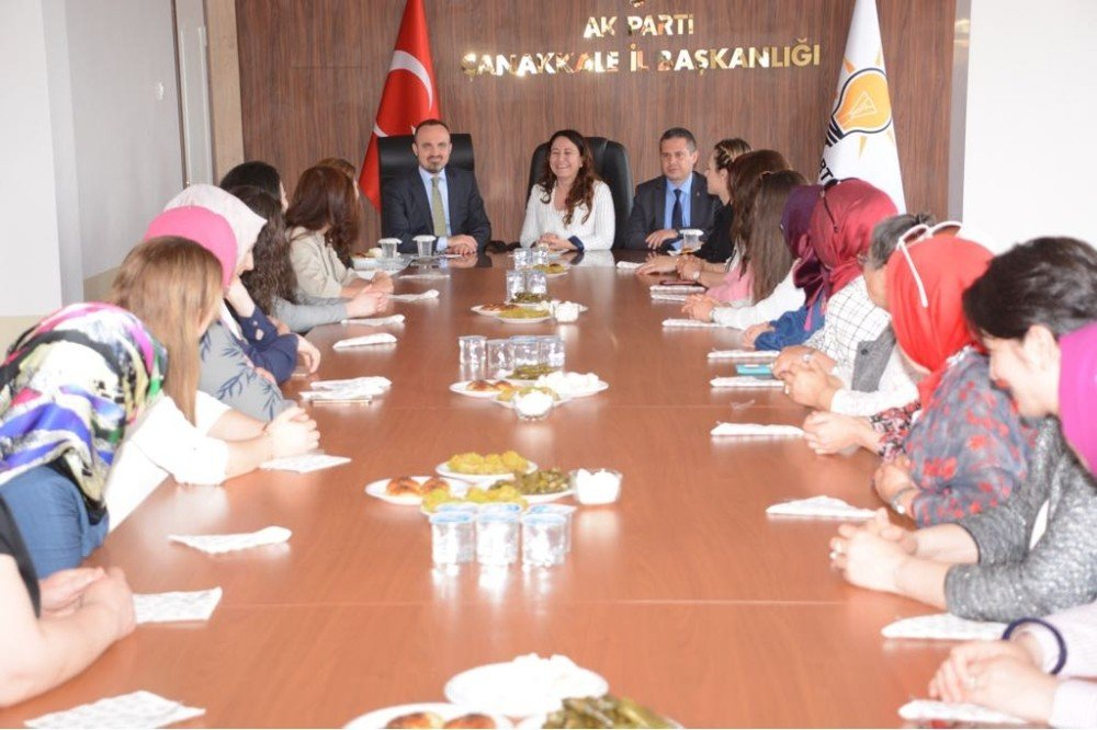 """AK Partili Turan: """"Çanakkale'ye yatırım yapan, başımızın tacı"""""""