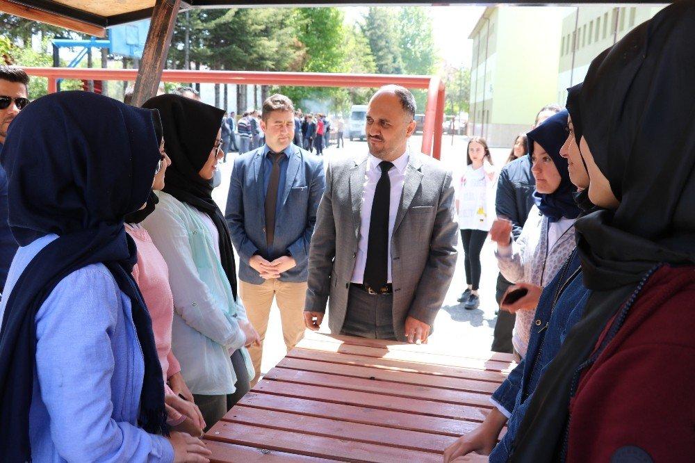 Beyşehir'de okul bahçelerinin çehresi değişiyor