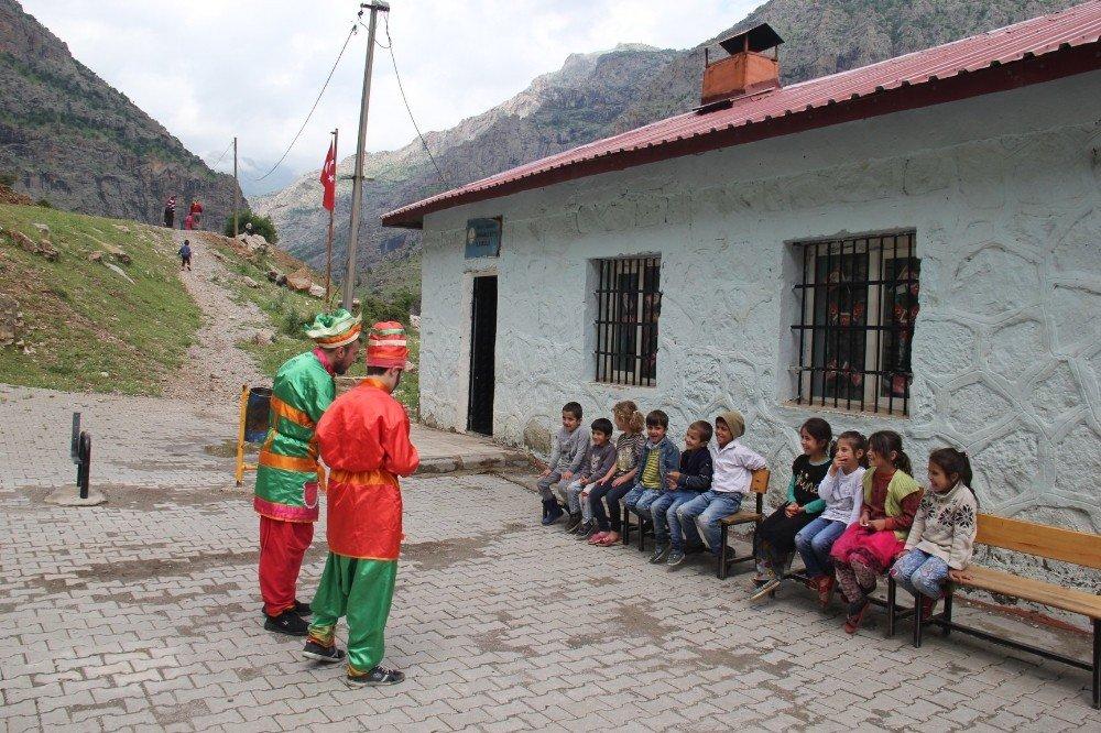 Bitlis'te 'Tiyatrosuz Çocuk Kalmasın' projesi