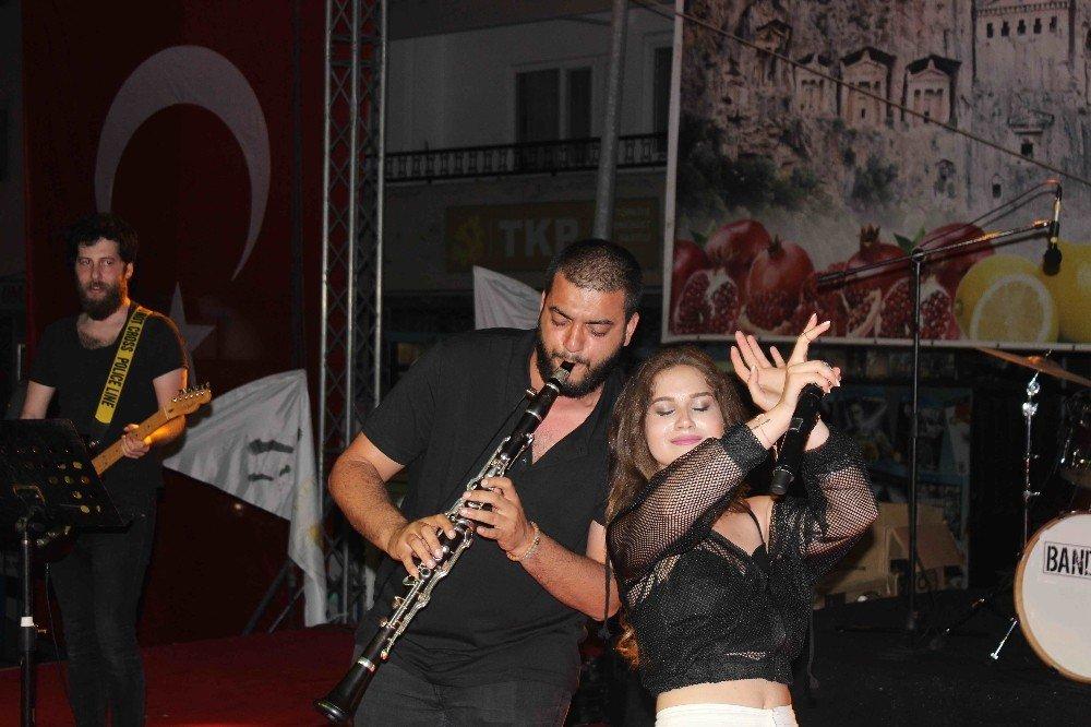 Ece Mumay, Ortaca Festivali'nde sahne aldı