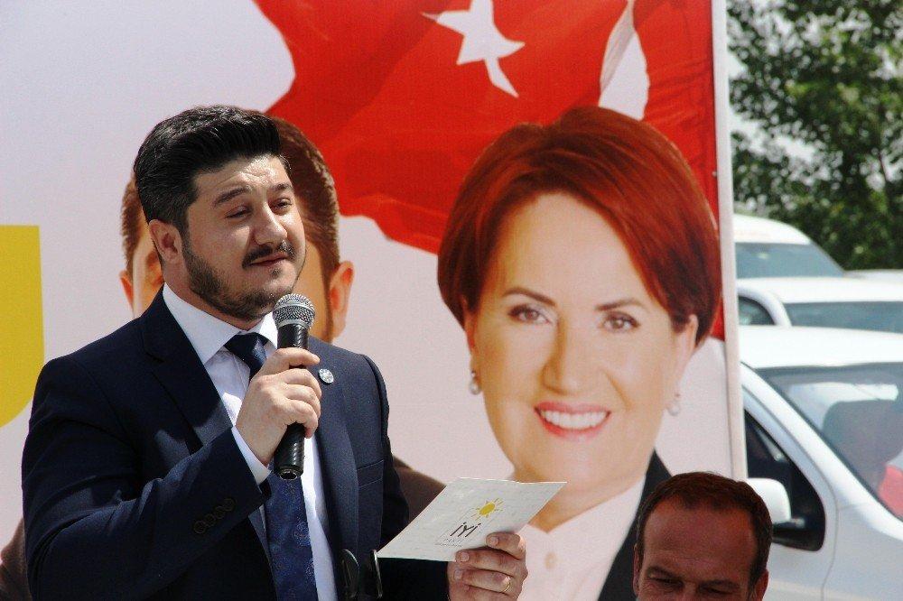 İYİ Parti aday adayı Ömer Geriter'in tanıtım toplantısına yoğun ilgi