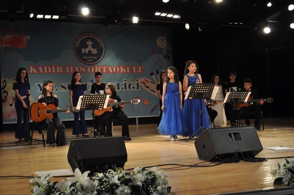 Kayseri'de Kadir Has Orta Okulu yıl sonu şenliği, yapıldı