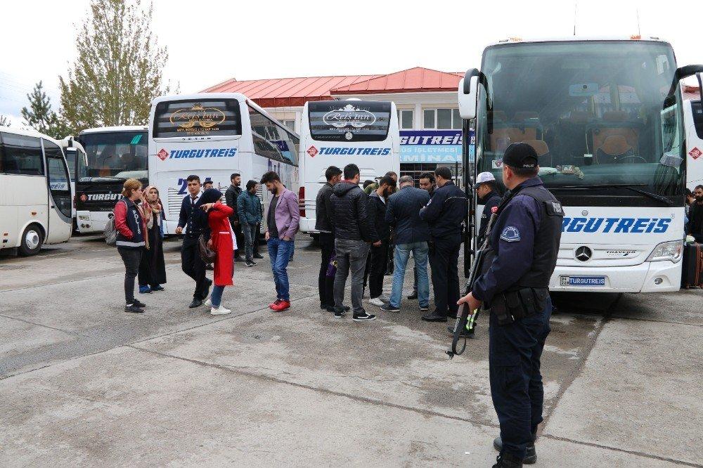 Kars'ta otobüs ve tren garlarında asayiş uygulaması