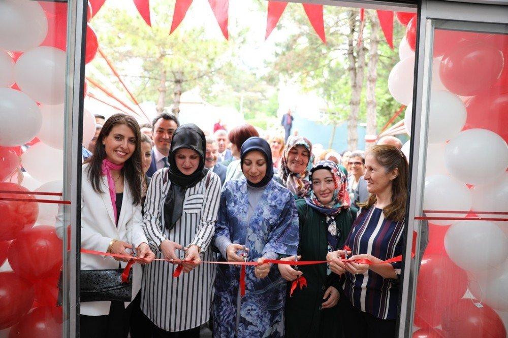 Vize Halk Eğitim Merkezi'nin yıl sonu sergisi açıldı