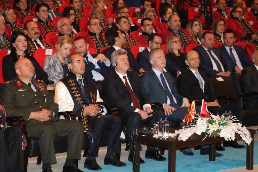 Makedonya Cumhurbaşkanı Ivanov'a Fahri Bilim Doktorluğu unvanı