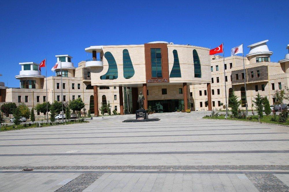 Nevşehir'e Hukuk ve Diş Hekimliği Fakültesi açılıyor