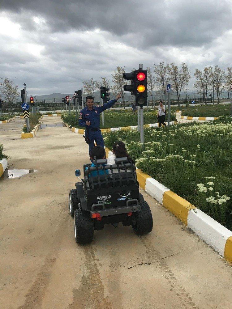 Jandarmadan 'Trafik Haftası' etkinlikleri