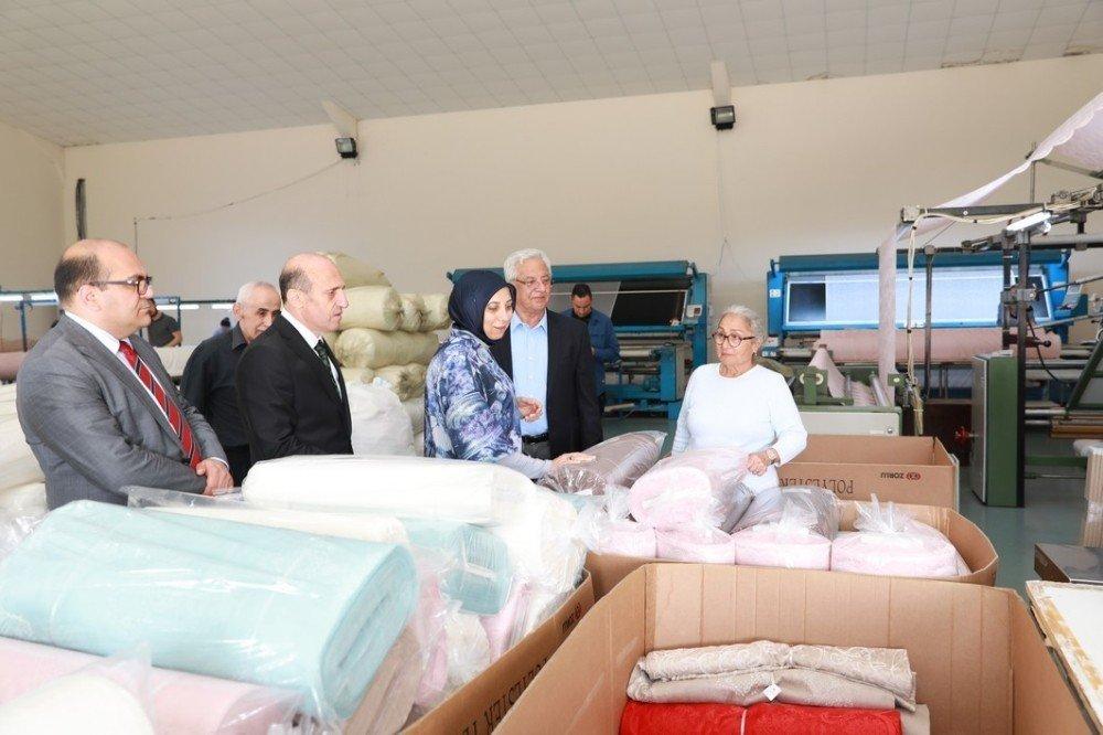 Vali Çiftçi, tekstil işçileriyle bir araya geldi
