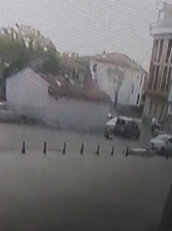 Konya'da vatandaş kalp krizi geçirdi, yolun ortasında vefat etti