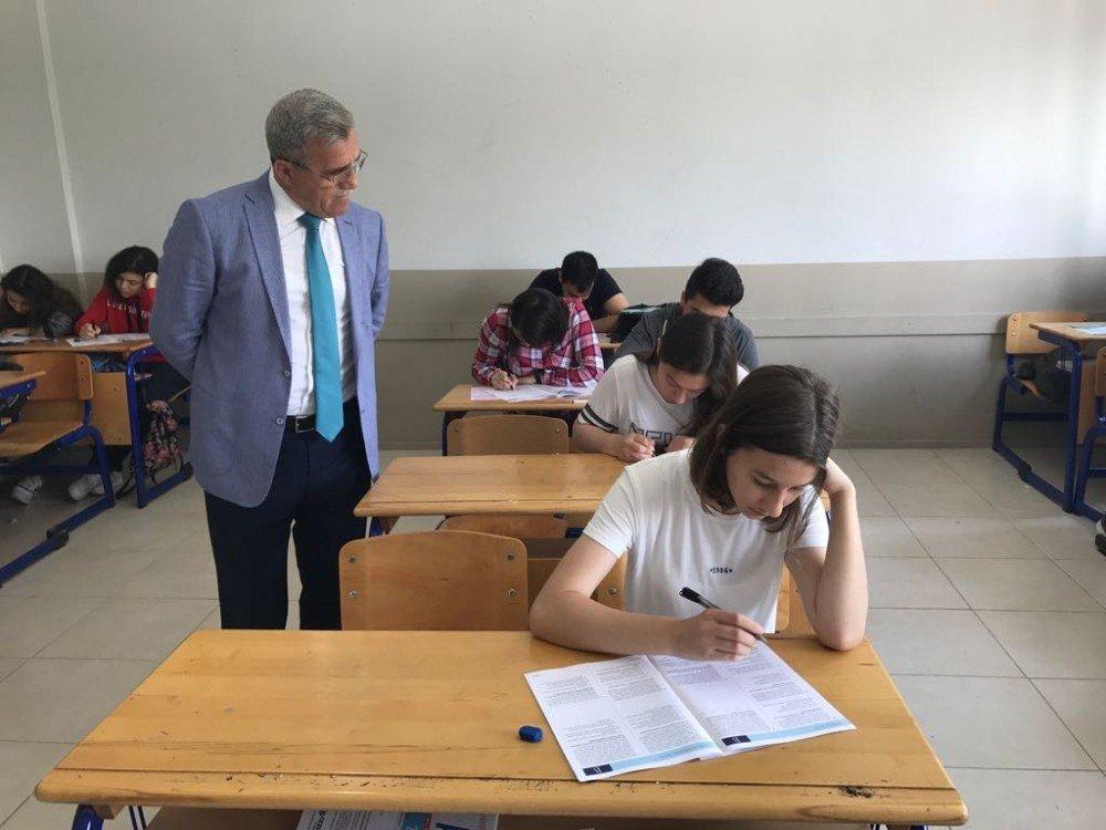 Akyazı Belediyesinden öğrencilere deneme sınavı