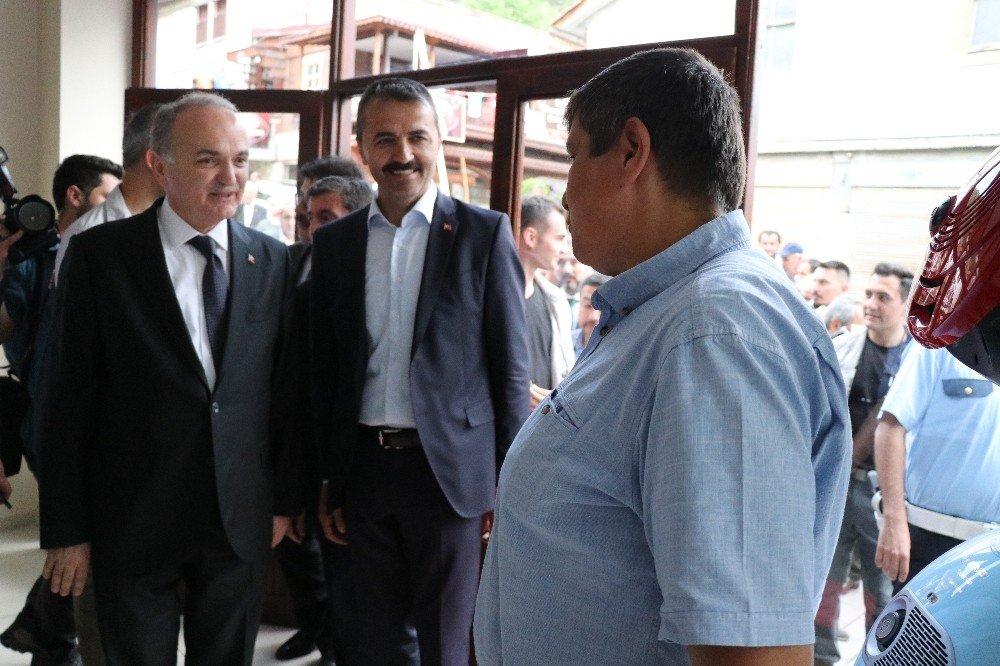 Bakan Özlü, Mudurnu'da vatandaşlarla bir araya geldi