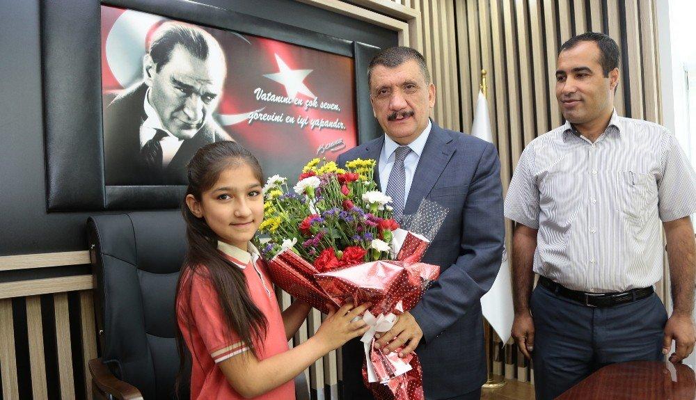 Başkan Gürkan öğrenciler ile bir araya geldi