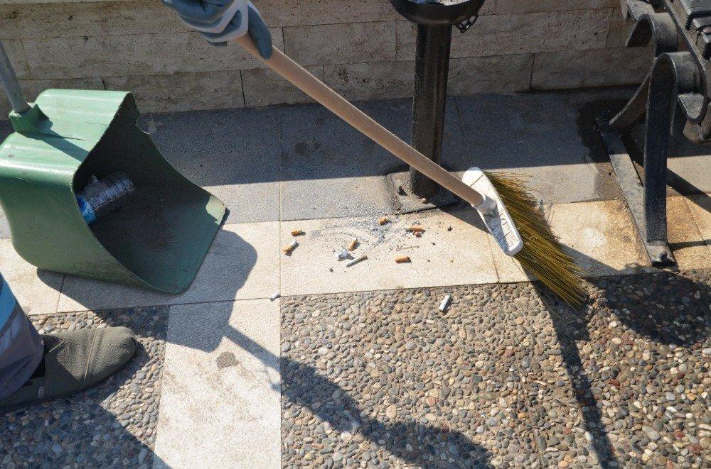 Marmaris'te izmarit kirliliğine dikkat çekildi