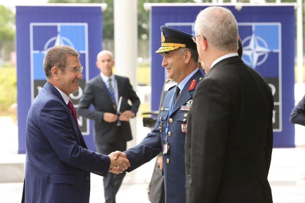 Bakan Canikli, Brüksel'de NATO Daimi Temsilciliğinin yeni ofisini ziyaret etti