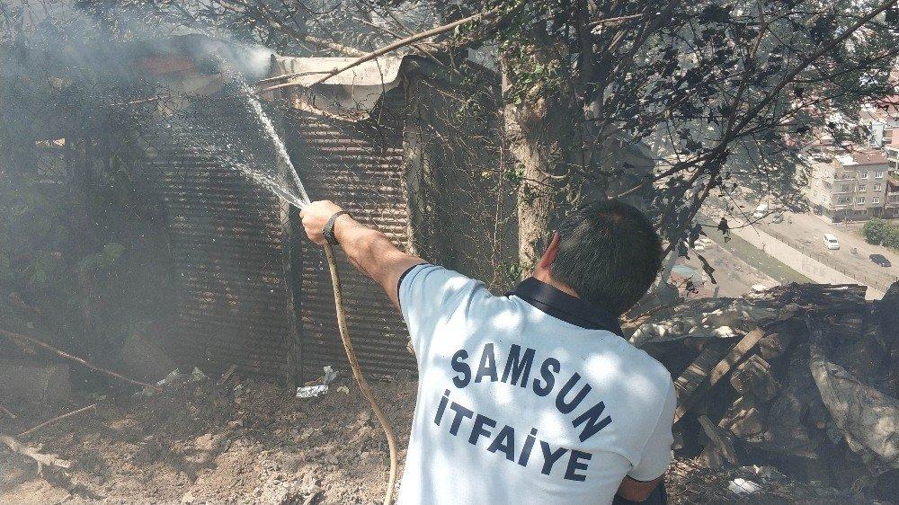 Samsun'da evlerin yakınına ulaşan yangın korkuttu