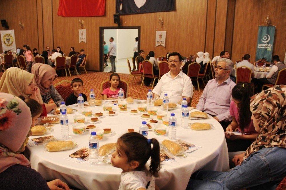 Başkan Çelikcan: ''Öksüz ve yetimlere karşı maddi manevi sorumluluğumuz var''