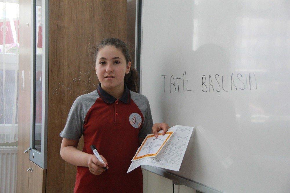 Kastamonu'da 55 bin öğrenci karnelerini aldı