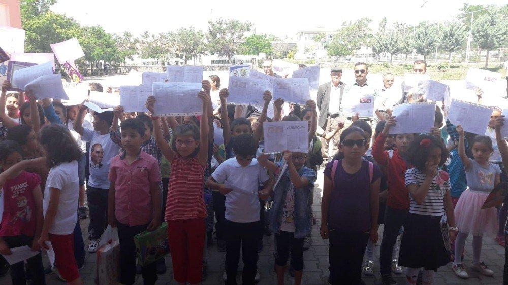 Arguvan'da öğrencilerin karne heyecanı