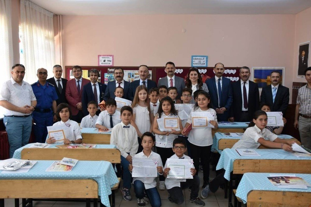 Kırıkkale'de 49 bin 686 öğrenci karne aldı