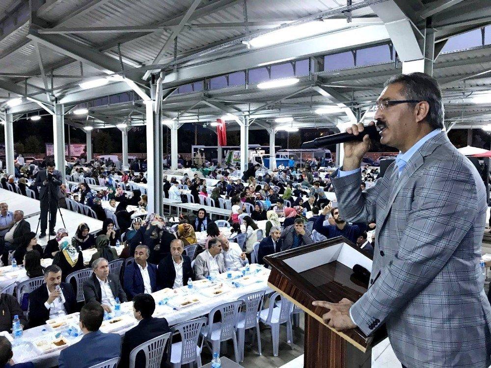 Turhal'da 3 bin kişi iftar sonrasında buluştu