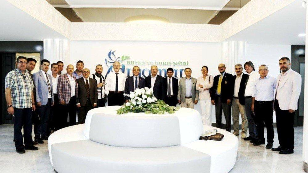 Başkan Kutlu Türkiye Gazeteciler Federasyonu heyetini ağırladı