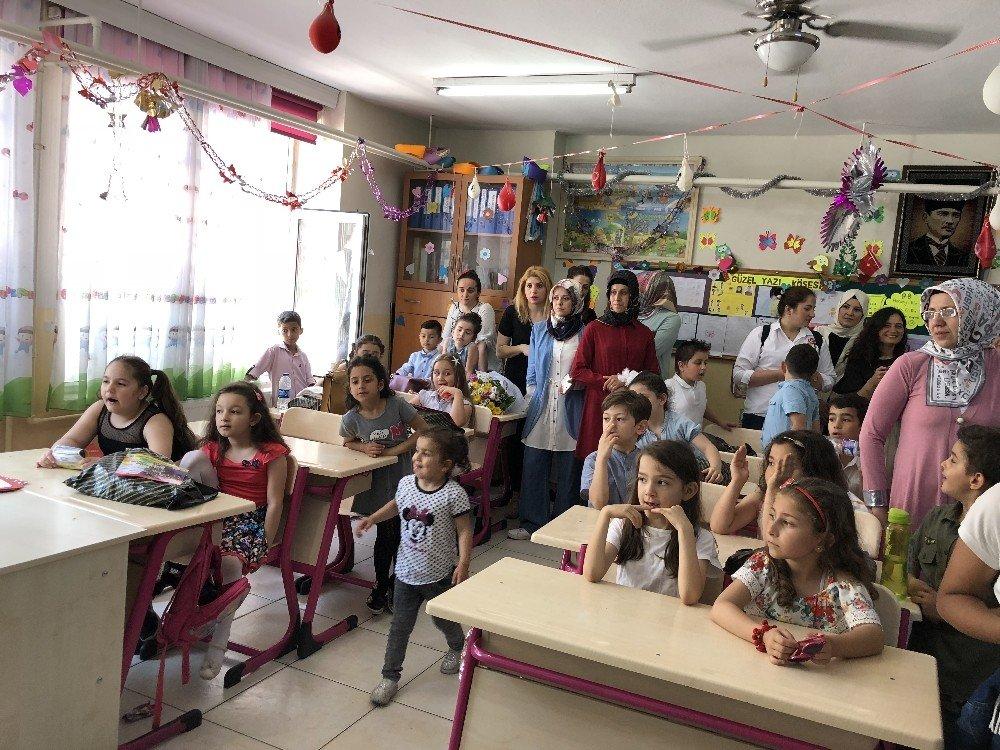 Alaplı'da öğrencilerin karne sevinci