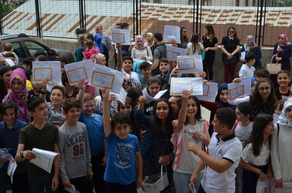 Artvin'de 26 bin öğrenci karne heyecanı yaşadı