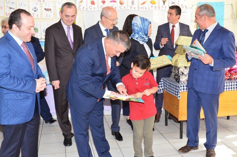 Vali Yazıcı'dan öğrencilere kitap okumayı unutmayın çağrısı